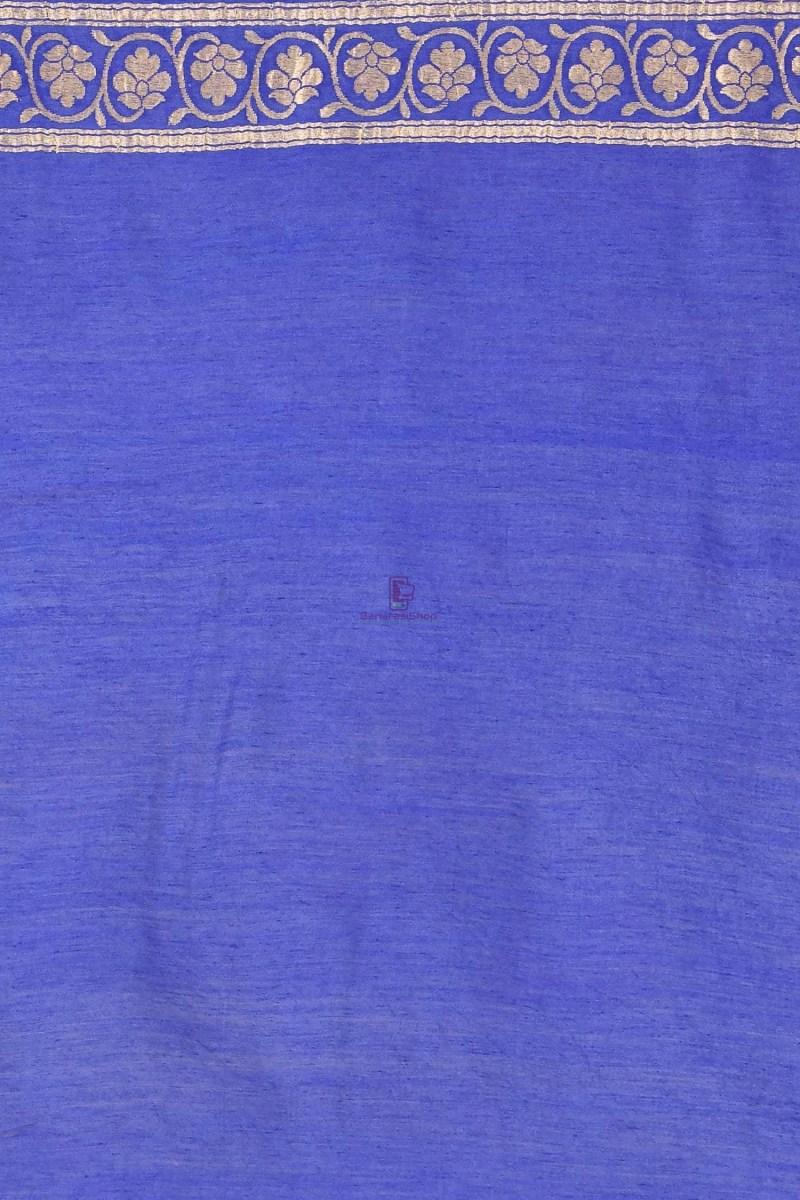 Handloom Hand Painted Banarasi Munga Silk Saree with Running Blouse Fabric 4
