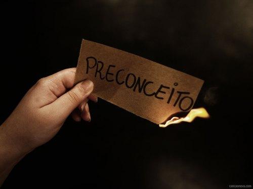 formacao_1600x1200-as-consequencias-do-preconceito-na-vida-social-e-familiar