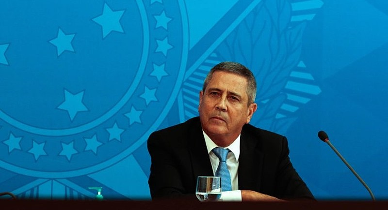 O ministro da Casa Civil, Walter Braga Netto,participa de coletiva de imprensa no Palácio do Planalto, sobre as ações de enfrentamento ao covid-19 no país