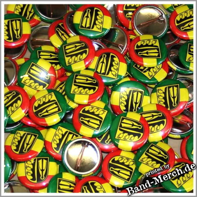 Buttons herstellen lassen bei band-merch.de