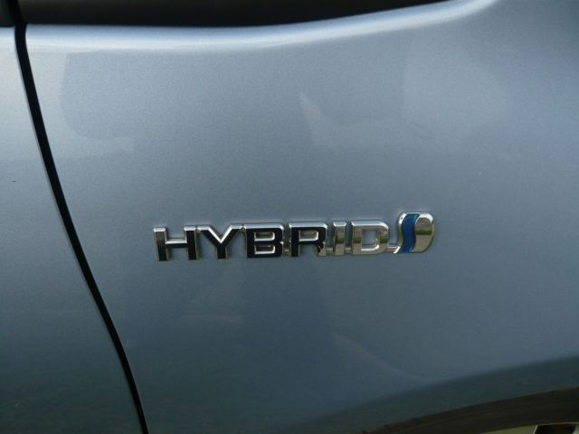 TOYOTA YARIS HYBRID 5 DOOR 1.5