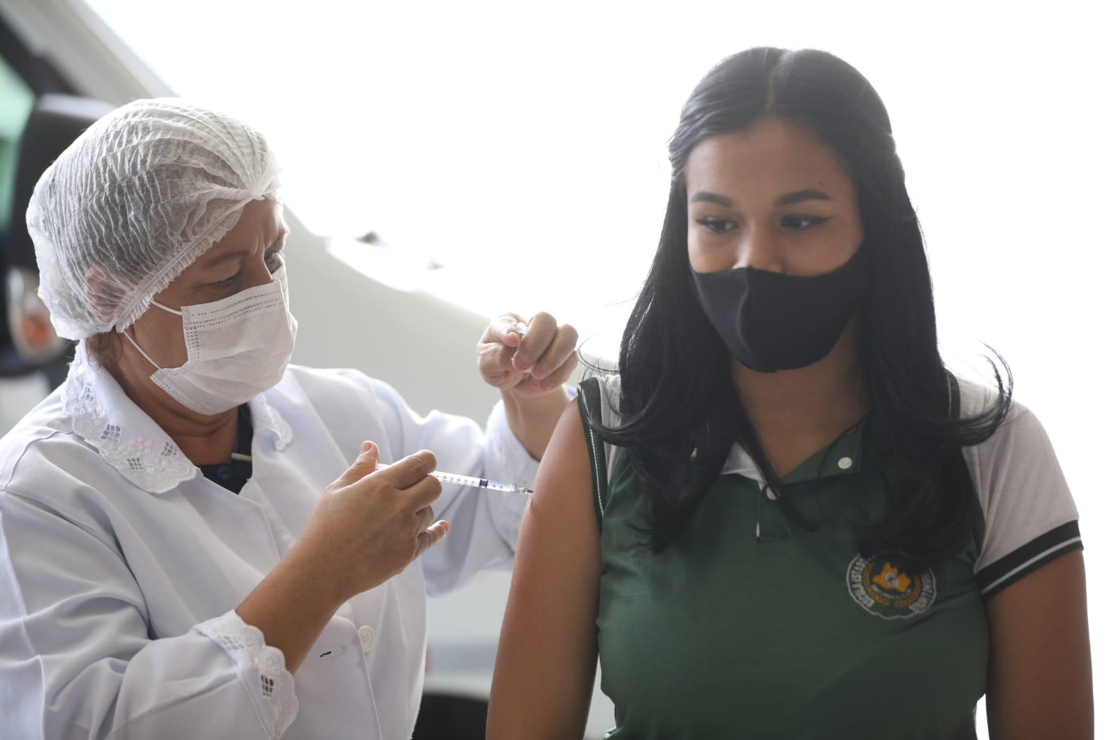 Manaus continua vacinação de 18 anos ou mais nesta segunda (26)