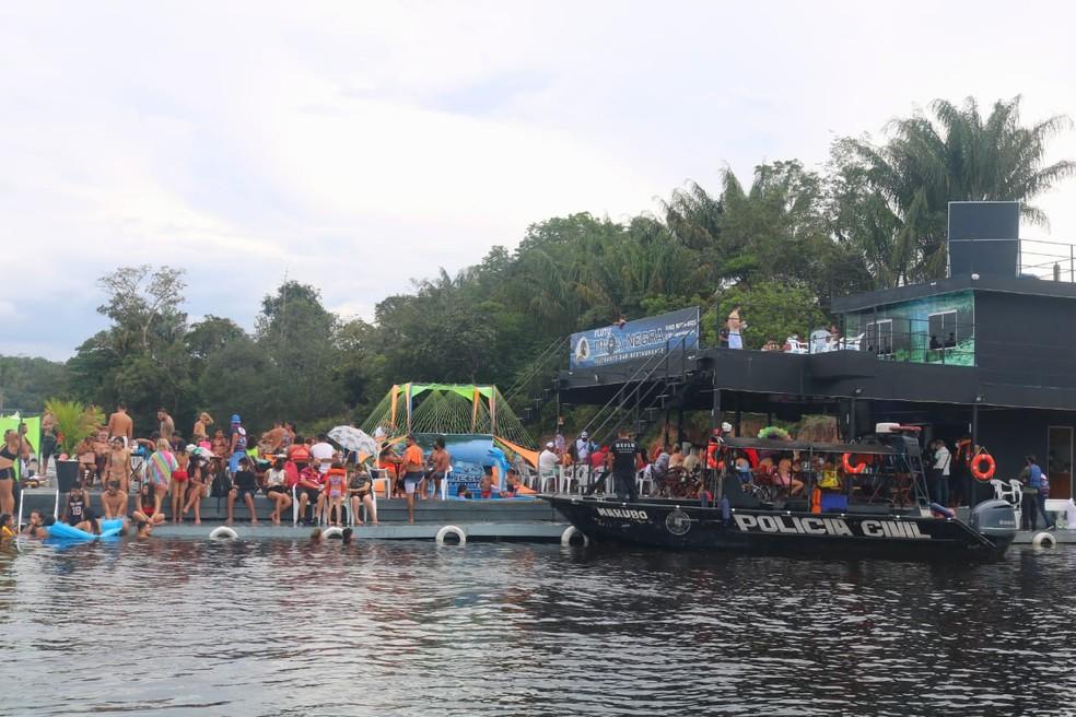 Comissão aprova embargo imediato de flutuantes sem tratamento de esgoto em Manaus