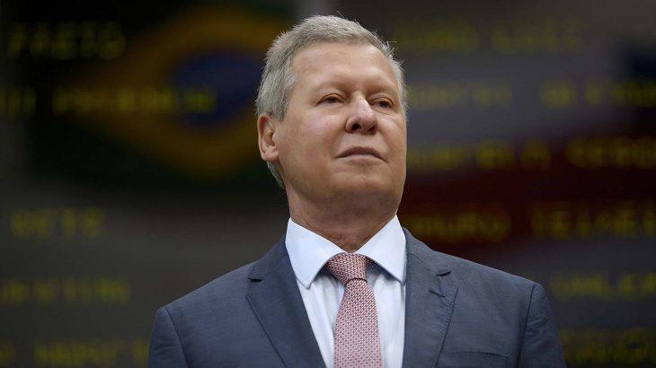 """Especulado para senado, Arthur diz focar prévias do PSDB, cita nojo de uso político do """"caso Flávio"""" e alfineta adversários: """"nunca fui herói de CPI"""""""