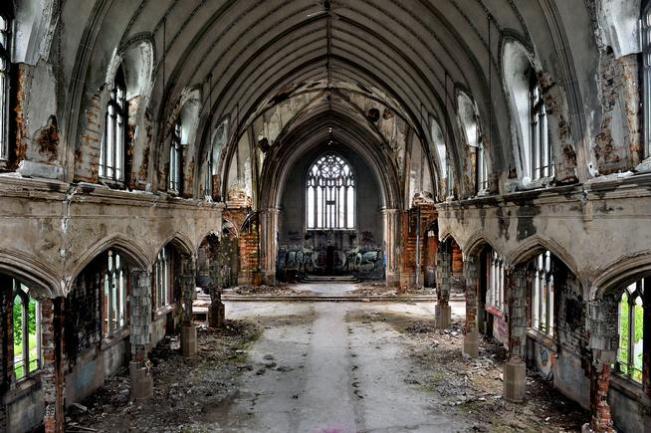 NE - destroyed church
