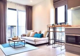 Rhythm Sukhumvit 36-38 | Bangkok condo for rent | 5 mins walk to Thonglor BTS | corner unit on top floor, north-east facing