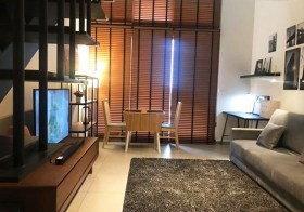 The Lofts Ekkamai – condo for rent near Ekkamai-Phra Khanong BTS | duplex type, high ceiling, bright open view