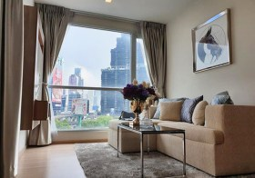 Rhythm Sathorn 21 | Bangkok condo for rent | 5 mins walk to Saphan Taksin-BTS & Sathorn pier | corner unit, bathtub + washer