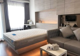 Ideo Sukhumvit 93 – Bangkok condo for rent | 120 m. to Bang Chak BTS | south facing, kitchen with stove, washer