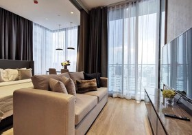 Ashton Silom condo | 5-10 mins walk to Chong Nonsi – Sala Daeng BTS | east facing | gym, pool, sauna, garden, library