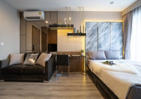 Ideo Mobi Asoke condo | 5-7 mins walk to Phetchaburi MRT & airport link | east facing | 200 m. to Srinakharinwirot University