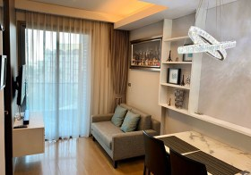 The Lumpini 24 – Sukhumvit condo | shuttle service to Phrom Phong BTS | south-east facing + open view | washer/dryer