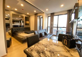 Ashton Chula-Silom condo | 210-700 m. to Samyan-Silom MRT | fitted kitchen + washer/dryer | 450 m. to Samyan Mitrtown