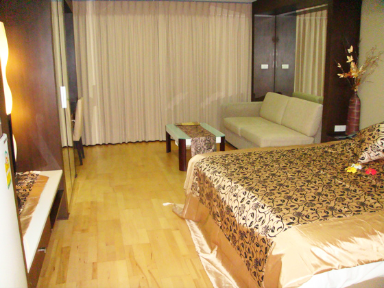 The Ninth Place Srinakarin – apartment for rent in Suan Luang Bangkok | 5 mins walk to Paradise Park shopping center