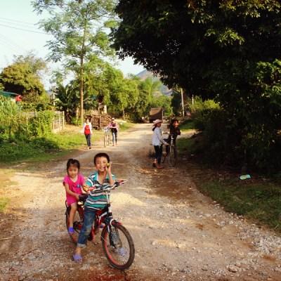 Enfants qui m'ont escortés sur plusieurs kilomètres