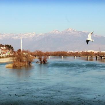 Albanie : je quitte les routes enneigées pour la plage et les palmiers