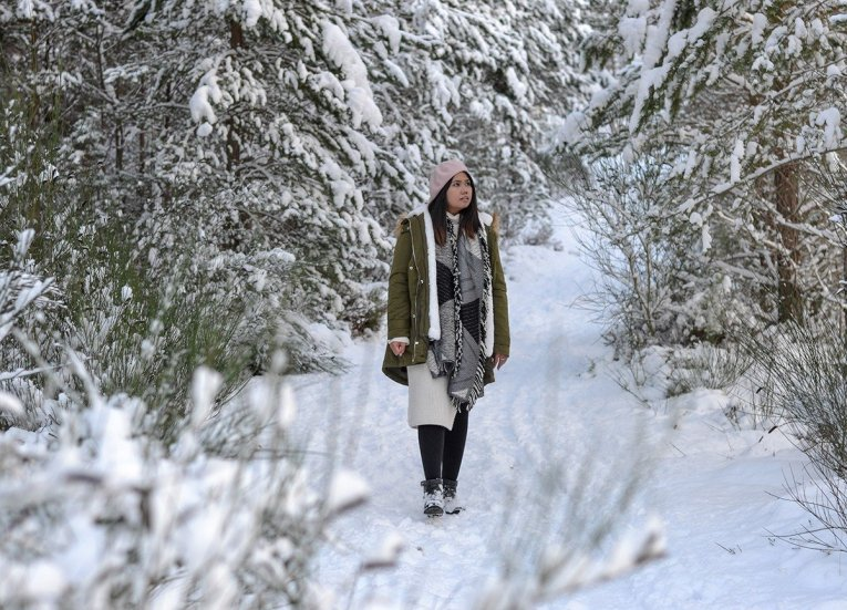 Fanfan Wilson, Blogger on Scotland Road Trip in Scottish Highlands in Winter Snow
