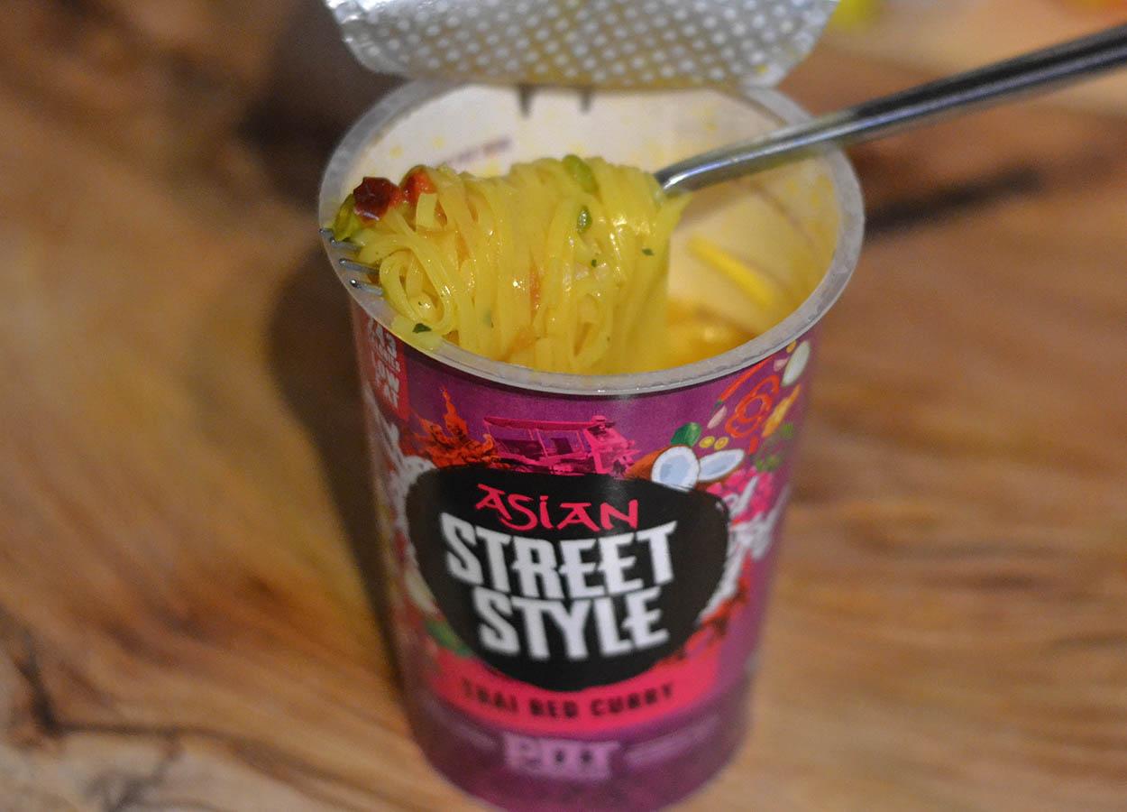 Red Curry Pot Noodles (Tesco UK). Pot Noodles Street Style. Best Instant Ramen Noodles Pots