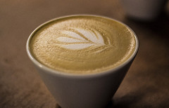 Latte art-Instagrammars and stressed-out students alike will no doubt be delighted to hear that two recent studies, published in Annals of Internal Medicine, reveal a […]