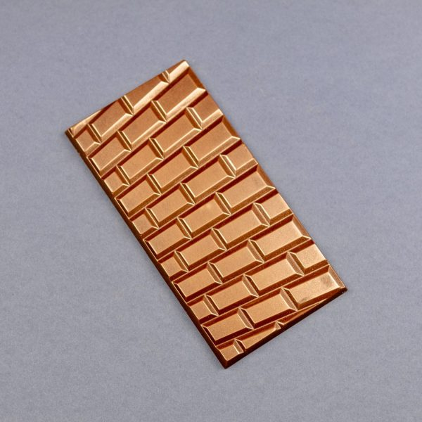 Milk chocolate wall bar in gold dusting