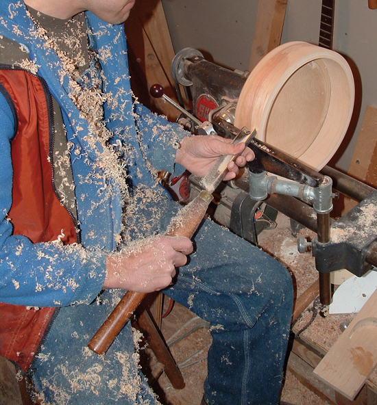 Banjo Rim Lathe Work. For safety and success get a live demonstration of how to use a lathe from an experienced wood worker.