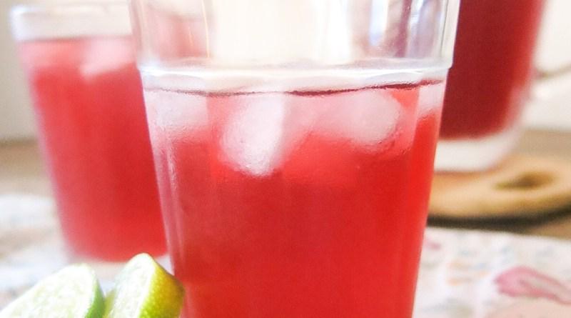 Água de Jamaica (Chá gelado de hibisco)