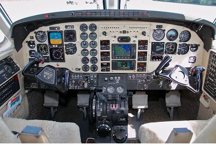 2008 King Air C-90GTi panel