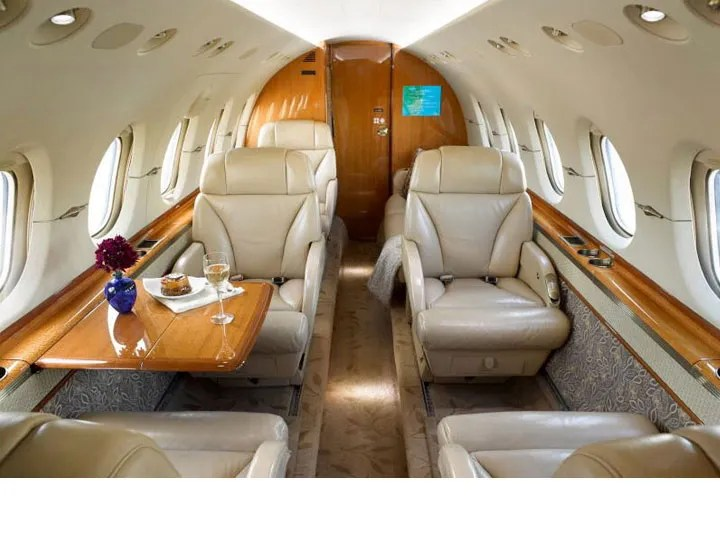 2006 Hawker 850XP cabin aft