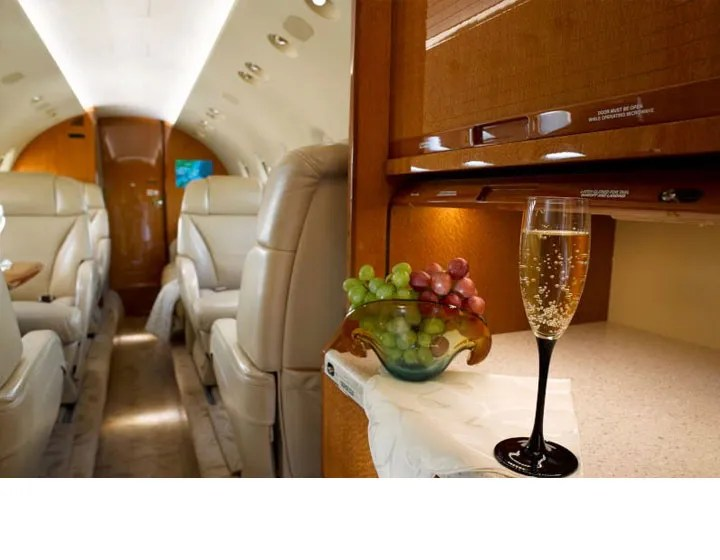 2006 Hawker 850XP galley