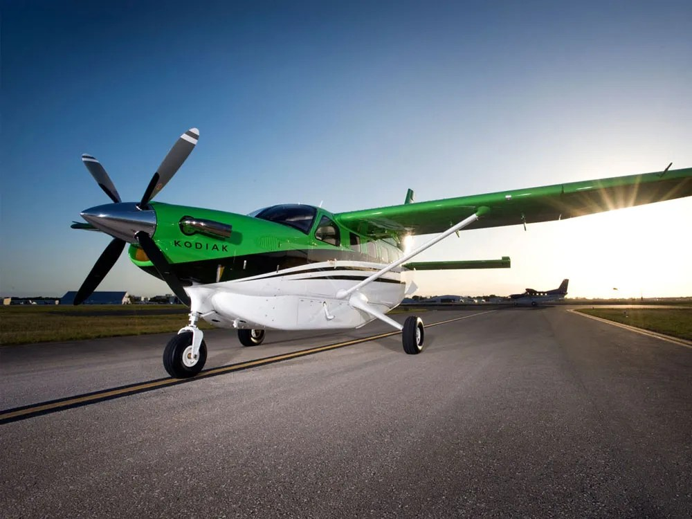 Green Quest Kodiak on taxiway