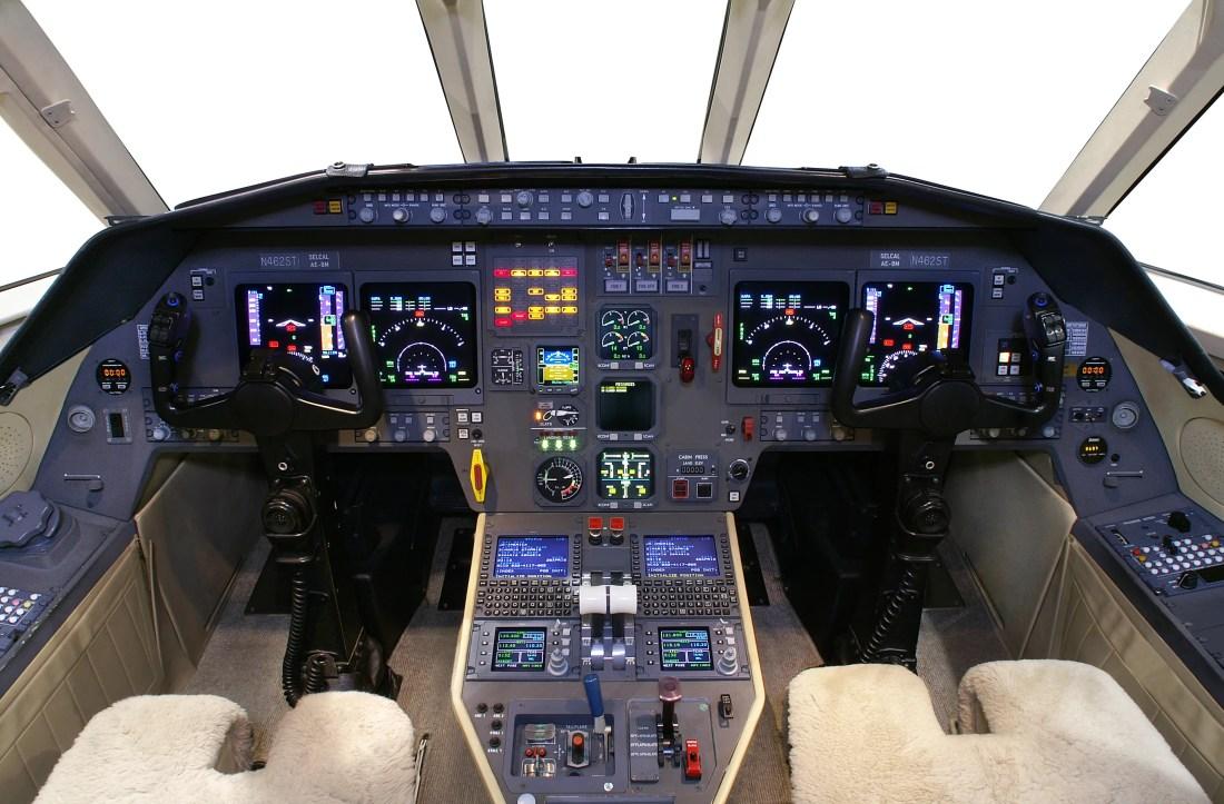 2001 Dassault Falcon 2000 Panel