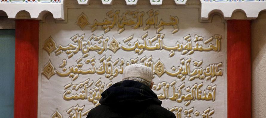 Thủ Tướng Pháp cảnh cáo người Hồi giáo sinh sống ở Pháp