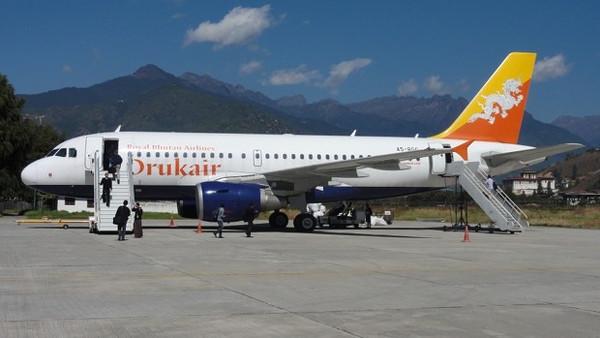 Avion de la compagnie Drukair pour partir au Bhoutan