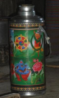 Thermos de thé, boisson traditionnelle au Bhoutan