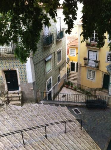 Escaliers Alfama Lisbonne - blog Bar a? Voyages