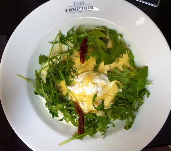 Assiette avec ravioles et Burrata au restaurant Little Comptoir
