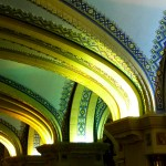 Décor coloré de l'intérieur de la Basilique Sainte-Anne de Beaupré - Québec