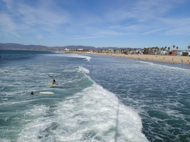 Un endroit où je suis restée de longues minutes à regarder les surfeurs et écouter le bruit des vagues
