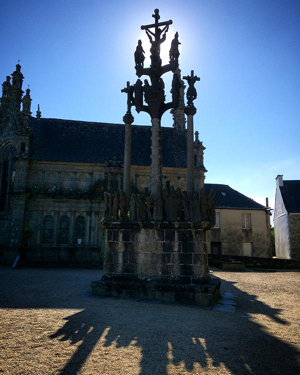 Le calvaire de l'enclos paroissial de Saint-Thégonnec ©Magali Renard / Le Bar à voyages