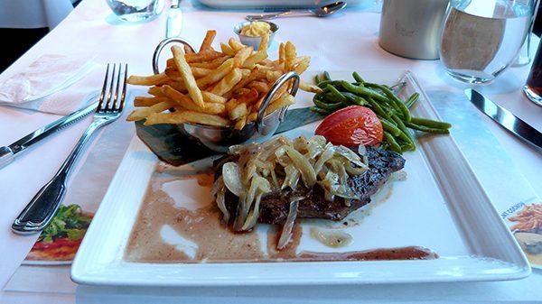 Rien de tel qu'un bon plat bien au chaud ©Franck/Le Bar à Voyages