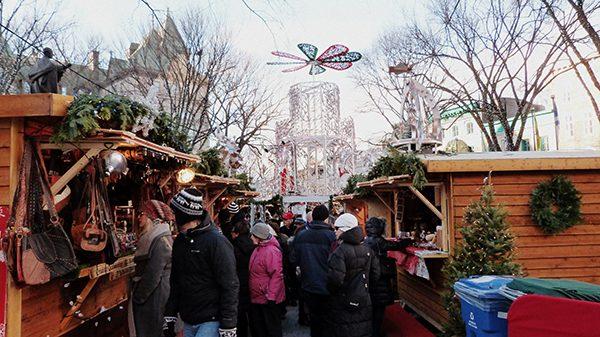 Ambiance conviviale au Marché de Noël allemand ©Franck/Le Bar à Voyages