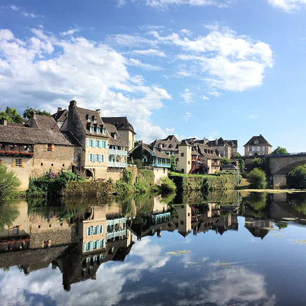 Les charmants quais d'Argentat-sur-Dordogne