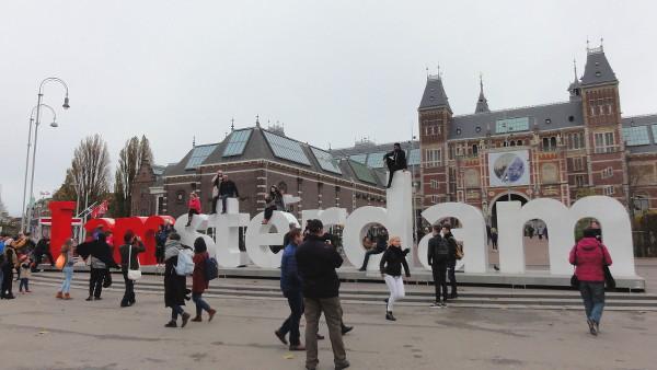 touristes Amsterdam - blog Bar à Voyages