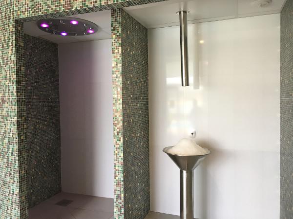 douche sensorielle et fontaine à glace Villa Seren à Hossegor - blog Bar à Voyages