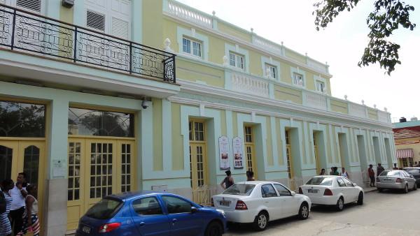 notre Voiture de location garée devant notre hôtel à Trinidad, Cuba