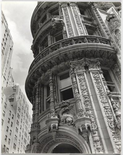 Façade de l'immeuble Alwyn Court à l'angle de la 7e avenue et de la 58e rue à New York