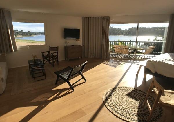 Suite ensoleillée de l'hôtel les Hortensias du Lac