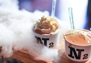 Il gelato fatto con azoto è una delle mode del momento