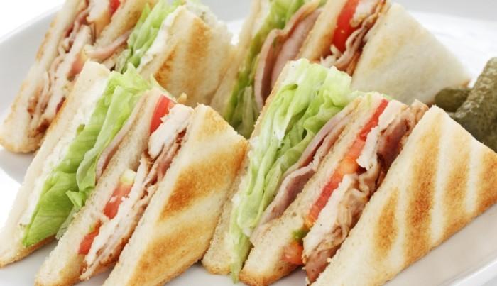 Il Sandwich al bar: ricette per aperitivi e pranzi veloci  Bar.it