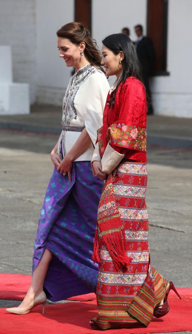 مشى كيت مع الملكة Jetsun بيما